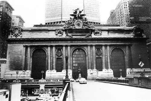 A black mantle of atmospheric soiling and staining covers Grand Central Terminal after 67 years without an exterior cleaning in the industrial Northeast. PROSOCO photo